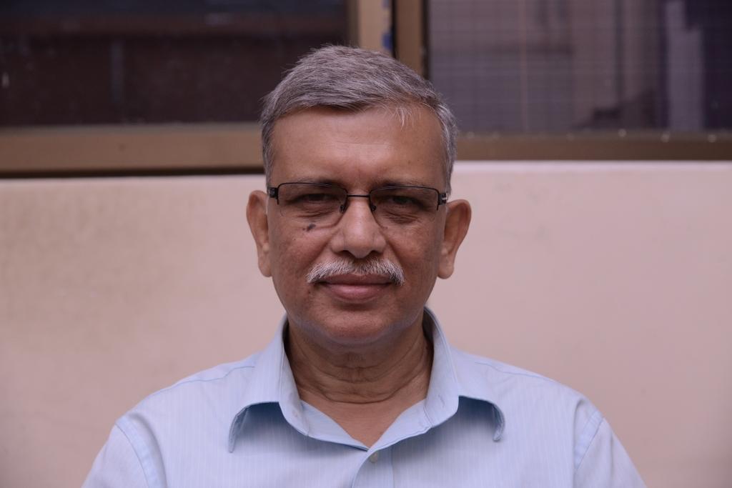 Mishra, Ashok Kumar picture
